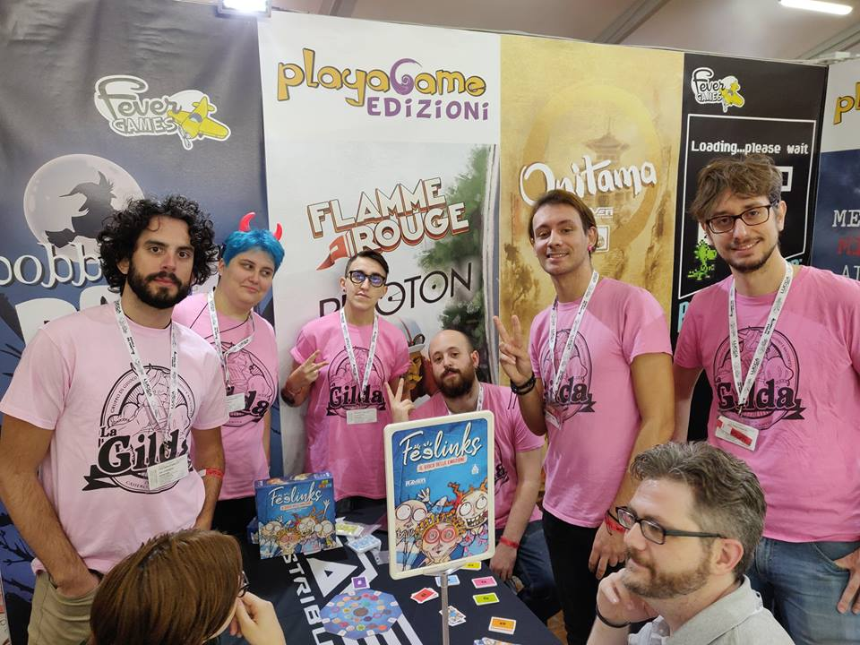 I membri de La Gilda al Lucca Comics & Games 2018, in tutto il loro roseo splendore. Credits.