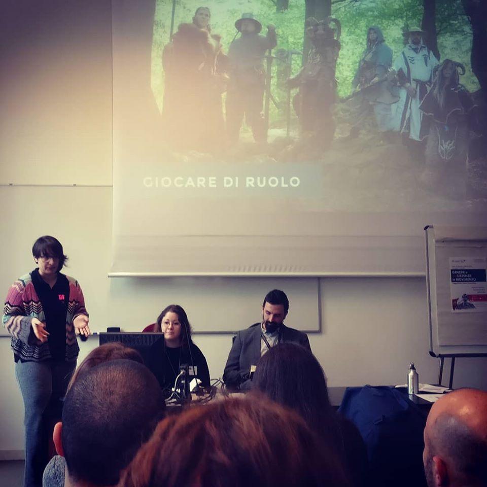 Claudia Pandolfi, Gloria Comandini e Aurelio Castro al convegno Genere e R-esistenze in Movimento