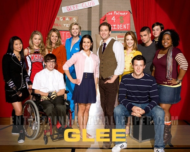 Il variegato cast di Glee, con L'Asiatica, Il Disabile, La Nera, Il Gay. Uno per tipo, altrimenti è troppo!