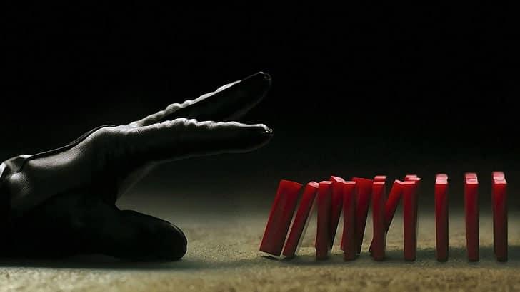 In German Democratic Republic l'effetto domino può far saltare perfino le operazioni più meticolosamente organizzate