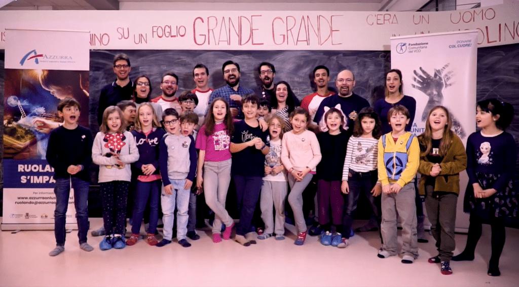 Il gruppo di bambini e bambine che hanno partecipato a Ruolando s'Impara