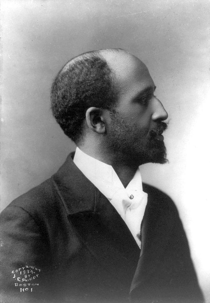 Il sociologo W. E. B. Du Bois, che propose di sostituire colored con n**ro