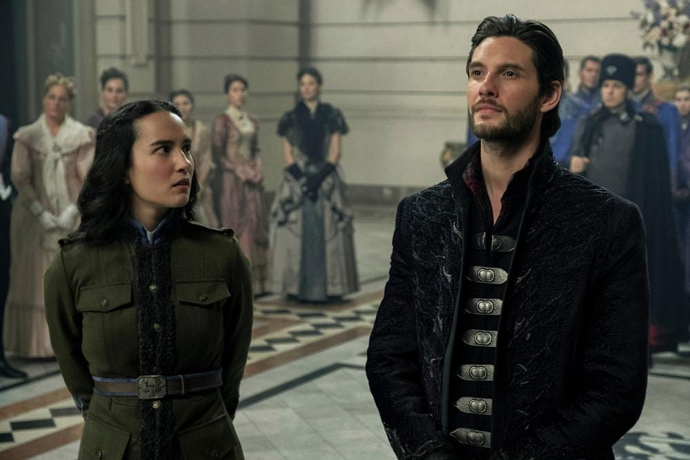Alina Starkov e il generale Kirigan, rispettivamente la protagonista e l'antagonista di Shadow and Bone