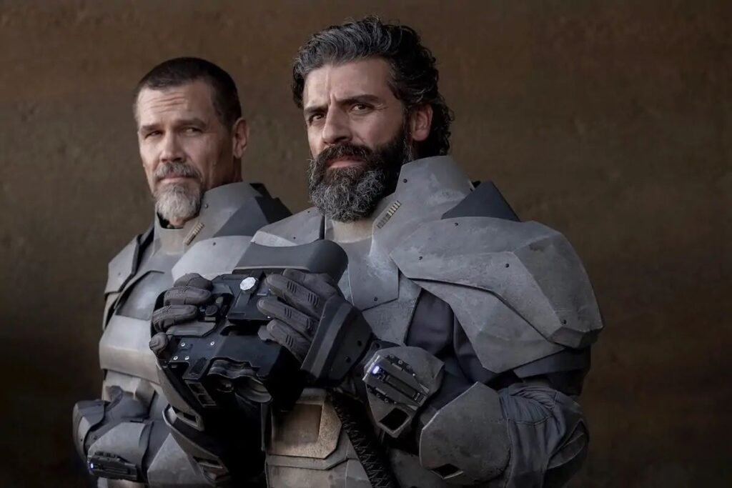 Dune (2021) Una scena con Oscar Isaac e Josh Brolin